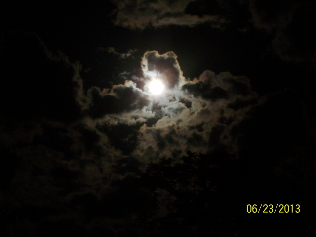 Super Moon from Reedy WV, blocked by a few clouds (Photo by Anita Ellison)